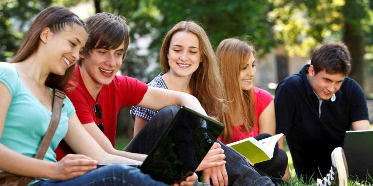 Get the Best Assignment Help UAE Writing Service in Dubai